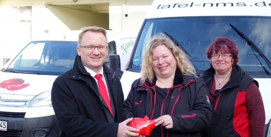 4.000 Euro für die Tafeln in der Region – Sparkasse Südholstein unterstützt Hilfsorganisationen