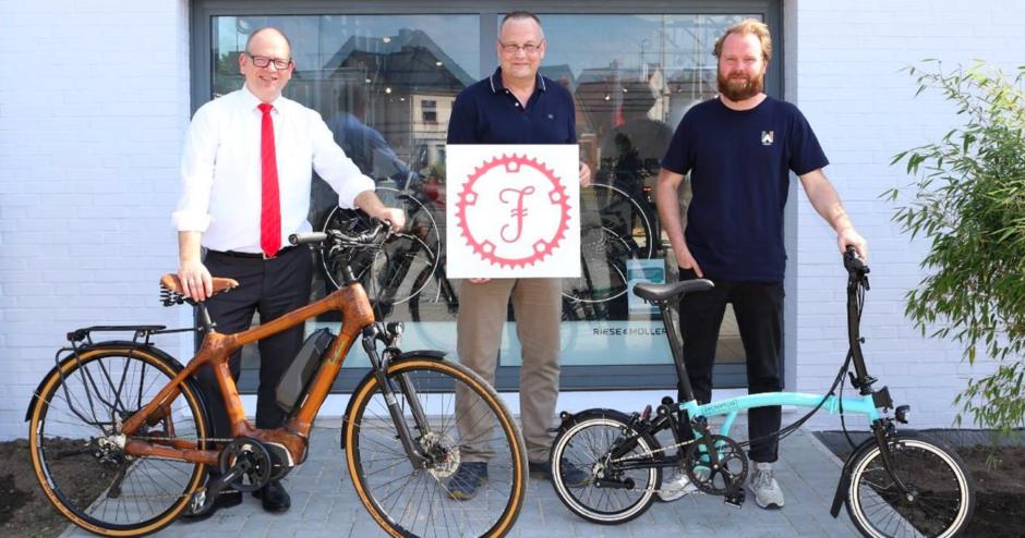 BOCK AUF BIKEN: Landesweite Radkampagne gestartet – Sparkassen verlosen fair und nachhaltig produzierte Bambusräder